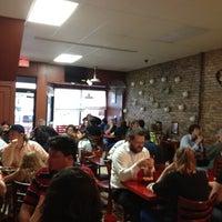 Foto tomada en Pablo's Old Town Mexican Restaurant por Rebekah C. el 5/4/2012