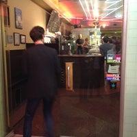 Снимок сделан в Laurelhurst Theater & Pub пользователем Aaron W. 6/24/2012