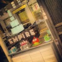 Foto tomada en Empire Cake por Scottie R. el 8/21/2012