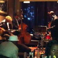 8/29/2012에 Tracy님이 M Lounge에서 찍은 사진