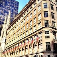Foto tomada en Saks Fifth Avenue por Philip T. el 7/3/2012