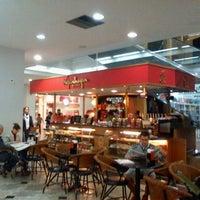 Foto tirada no(a) Atlântico Shopping por Clovis J. em 7/21/2012