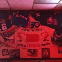Foto tirada no(a) d.d. Peckers' Wing Shack por Brandon D. em 4/20/2012