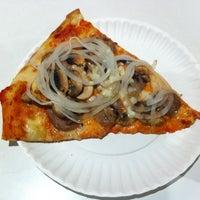 6/20/2012에 Brad K.님이 T. Anthony's Pizzeria에서 찍은 사진
