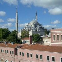 Foto tomada en Saray Muhallebicisi por Ahmad K. el 8/31/2012