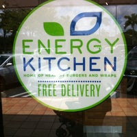 Foto tomada en Energy Kitchen por Jeanette R. el 6/10/2012