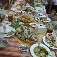 Foto tomada en Rumah Makan Turi Ikan Bakar por Bondan R. el 7/5/2012