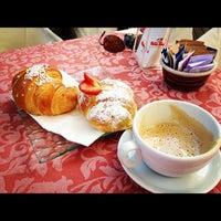 Foto scattata a Caffè della Lirica da Marco S. il 8/10/2012