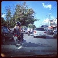 Foto tirada no(a) Avenida Fernandes Lima por Mayra T. em 5/4/2012
