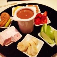 Foto tirada no(a) Moroco Chocolat por Sunny P. em 6/7/2012