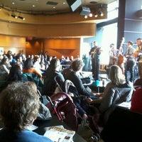 3/10/2012 tarihinde Pam G.ziyaretçi tarafından Frederick P. Rose Hall'de çekilen fotoğraf