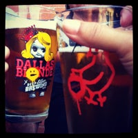 8/23/2012にPaula R.がDeep Ellum Brewing Companyで撮った写真
