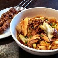8/17/2012 tarihinde Fred R.ziyaretçi tarafından Xi'an Famous Foods'de çekilen fotoğraf