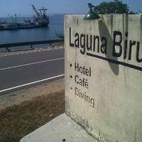 Foto diambil di Laguna Biru Hotel oleh Ramot S. pada 6/27/2012