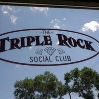 Foto tirada no(a) Triple Rock Social Club por J.P. B. em 7/7/2012