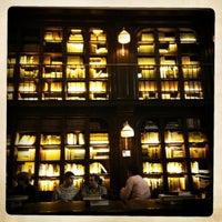 Foto scattata a The Library at The NoMad da Cynthia D. il 4/12/2012
