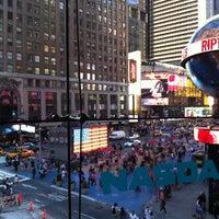 6/27/2012에 Carlos P.님이 Nasdaq Marketsite에서 찍은 사진