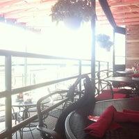 Foto tirada no(a) Molly Cool's Seafood Tavern por Danny R. em 8/21/2012