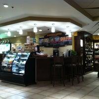 Foto scattata a Barnie's Coffee & Tea Co. da J. P. il 3/11/2012