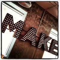 Das Foto wurde bei MAKE Business Hub von Faris K. am 4/30/2012 aufgenommen