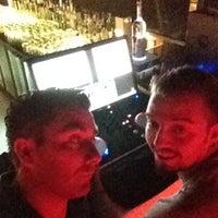 Foto diambil di Beluga Bar Karma Sky Lounge oleh Kadir G. pada 7/23/2012