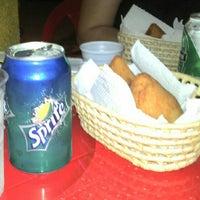 8/26/2012 tarihinde Daniela Reis da S.ziyaretçi tarafından Coxinharia Snack Bar'de çekilen fotoğraf