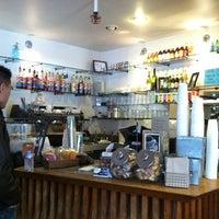 Das Foto wurde bei Caffe Centro von Christina H. am 8/24/2012 aufgenommen
