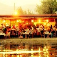 Foto diambil di İstasyon Restaurant oleh kim t. pada 8/24/2012