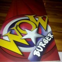 Foto tirada no(a) Wow Burger por Daniel C. em 5/28/2012