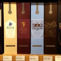 6/1/2012にShannon L.がMister Wright Fine Wine & Spiritsで撮った写真