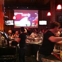 Foto tirada no(a) Pete's Tavern por Phillip K. em 4/13/2012