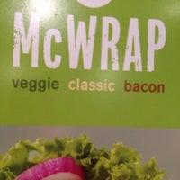 Foto tomada en McDonald's por Regina B. el 4/17/2012