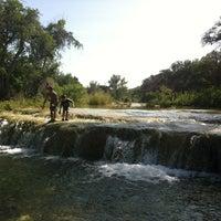 Foto tirada no(a) Bull Creek Greenbelt por Robert C. em 7/21/2012