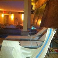 3/29/2012 tarihinde Marisa S.ziyaretçi tarafından Great Jones Spa'de çekilen fotoğraf