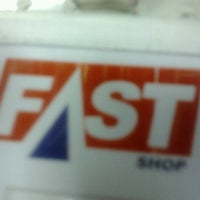 Foto tirada no(a) Fast Shop por Diogo M. em 9/5/2012