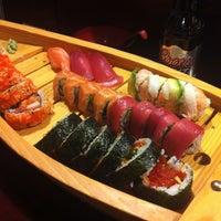รูปภาพถ่ายที่ Tokyo Sushi โดย Don F. เมื่อ 4/13/2012