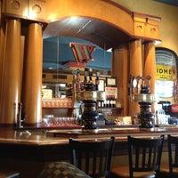 4/9/2012 tarihinde Duke G.ziyaretçi tarafından Widmer Brothers Brewing Company'de çekilen fotoğraf
