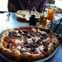 รูปภาพถ่ายที่ Settebello Pizzeria โดย David R. เมื่อ 5/31/2012