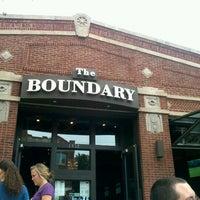 Photo prise au The Boundary par Stephanie S. le8/12/2012