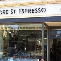 Das Foto wurde bei Store Street Espresso von Paris A. am 9/5/2012 aufgenommen