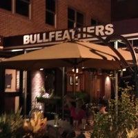 Das Foto wurde bei Bullfeathers von Christophe S. am 8/9/2012 aufgenommen
