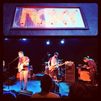 รูปภาพถ่ายที่ The Roxy โดย gary m. เมื่อ 5/18/2012