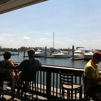 รูปภาพถ่ายที่ Hula Bay Club โดย Lizz H. เมื่อ 4/7/2012