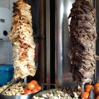3/21/2012 tarihinde Esteban D.ziyaretçi tarafından Döner Kabab'de çekilen fotoğraf