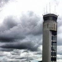 Foto tomada en Aeropuerto Internacional Palonegro (BGA) por Daniel R. el 7/17/2012