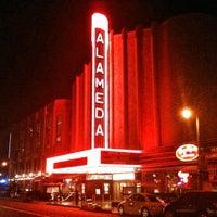 Foto tomada en Alameda Theatre & Cineplex por Mitch D. el 8/25/2012