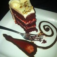 Foto scattata a Crave Dessert Bar da Cameron B. il 3/11/2012