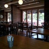 Das Foto wurde bei SWT Cafe von Murat C. am 8/19/2012 aufgenommen