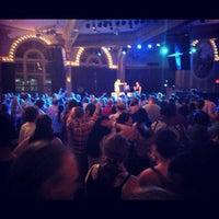 Foto scattata a Crystal Ballroom da C.C. C. il 7/9/2012