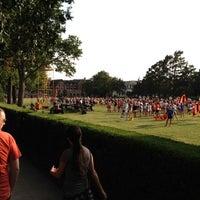 Photo prise au Library Lawn par Chase C. le8/17/2012
